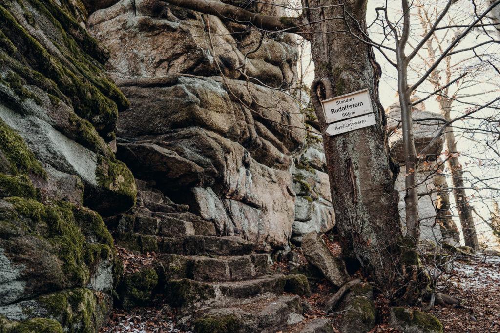 Aufstieg, um auf den Rudolfstein zu wandern