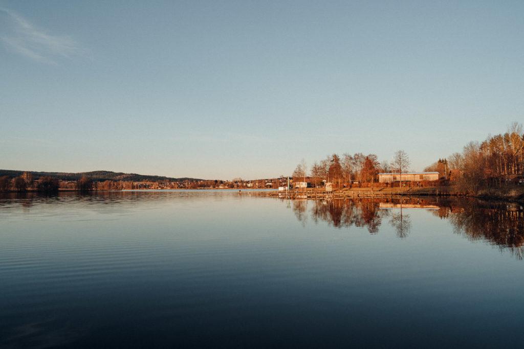 Weißenstädter See bei Sonnenuntergang im Fichtelgebirge