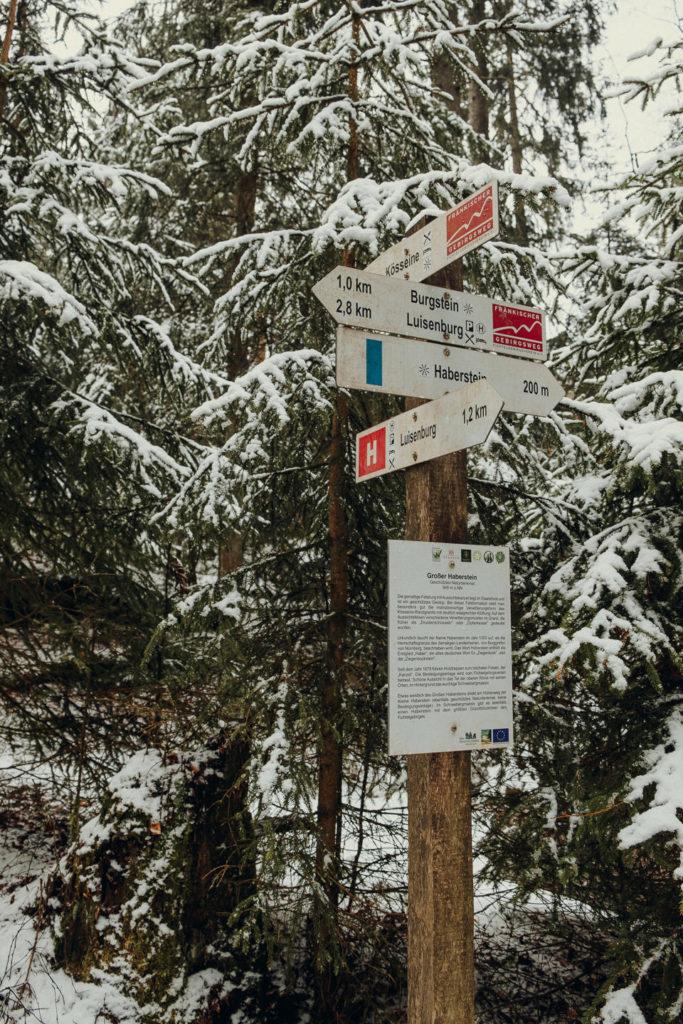 Kreuzung zum Burgsteinfelsen