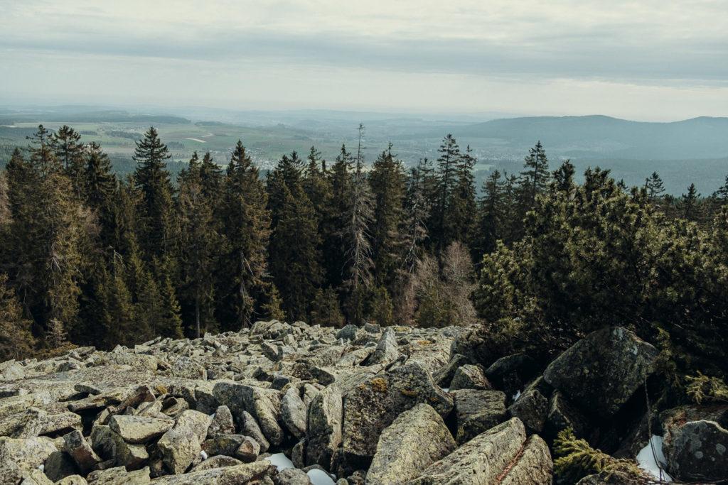 Aussicht auf Tröstau im Tal von der Platte im Fichtelgebirge aus