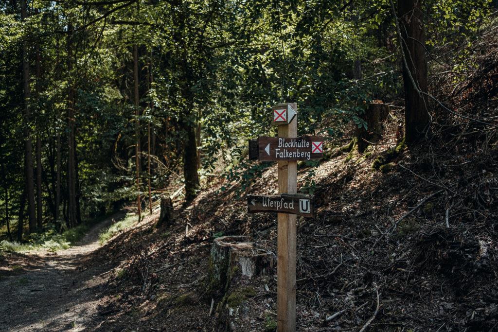 Einstieg in den Wanderweg im Waldnaabtal